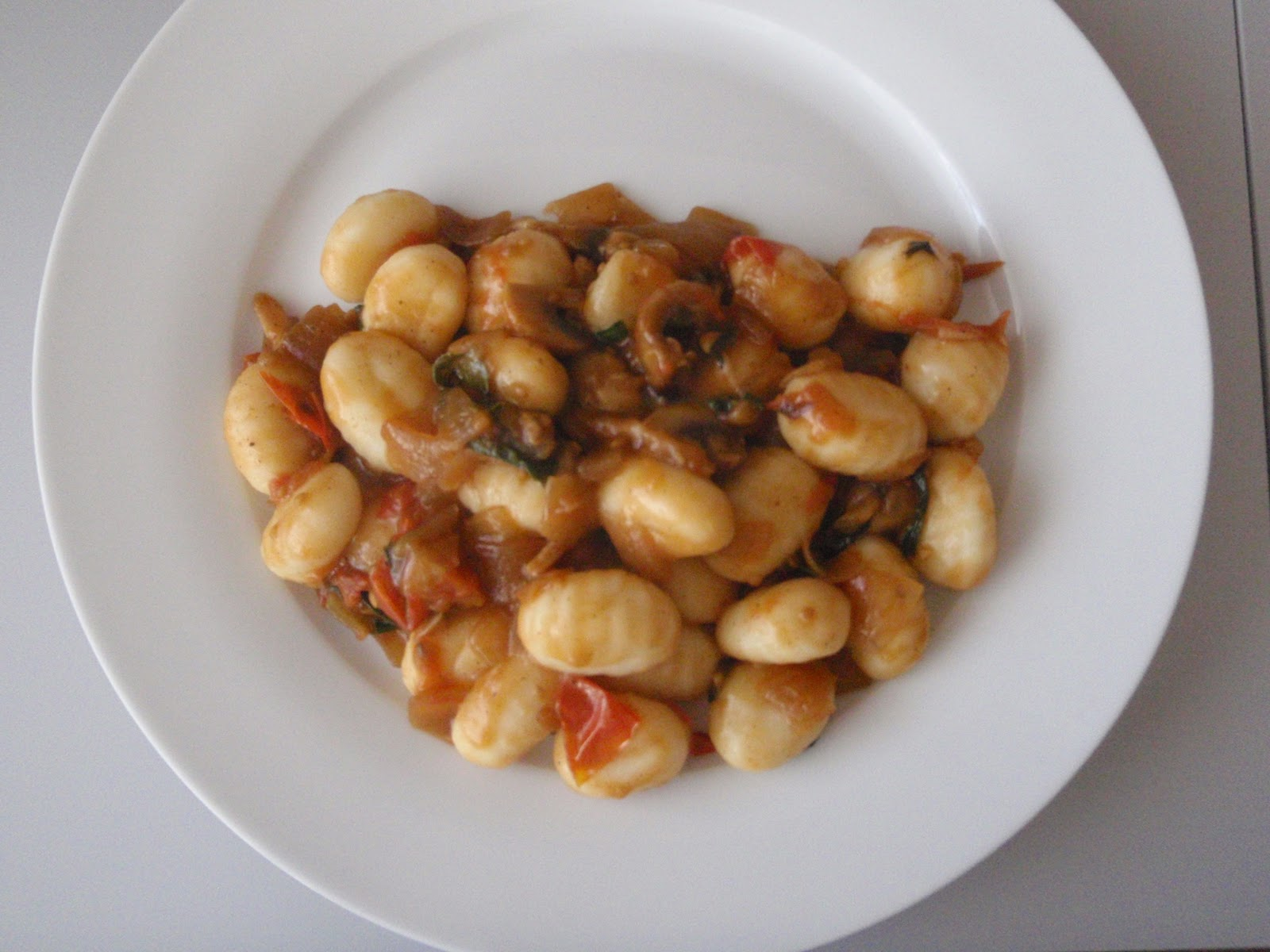 Mushroom and basil sauce