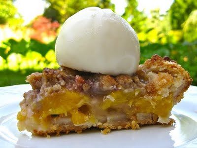 Peach Pie With Ice Cream Topping