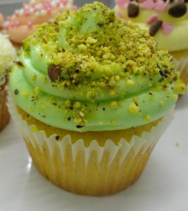 Pistachio Cupcakes with Pistachio Rice Pudding Filling