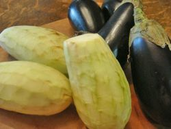 Peeled eggplants for storing