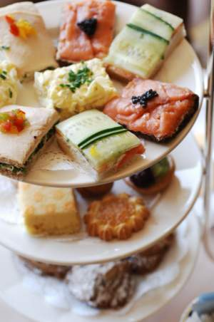 eat at a high tea