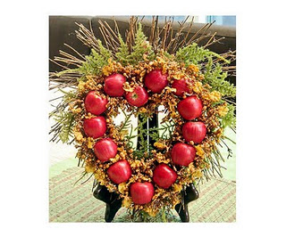 Making apple wreath