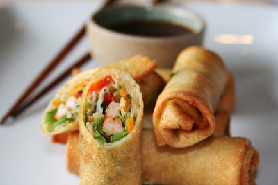 Delicious spring rolls to make a tomato soup a filling meal