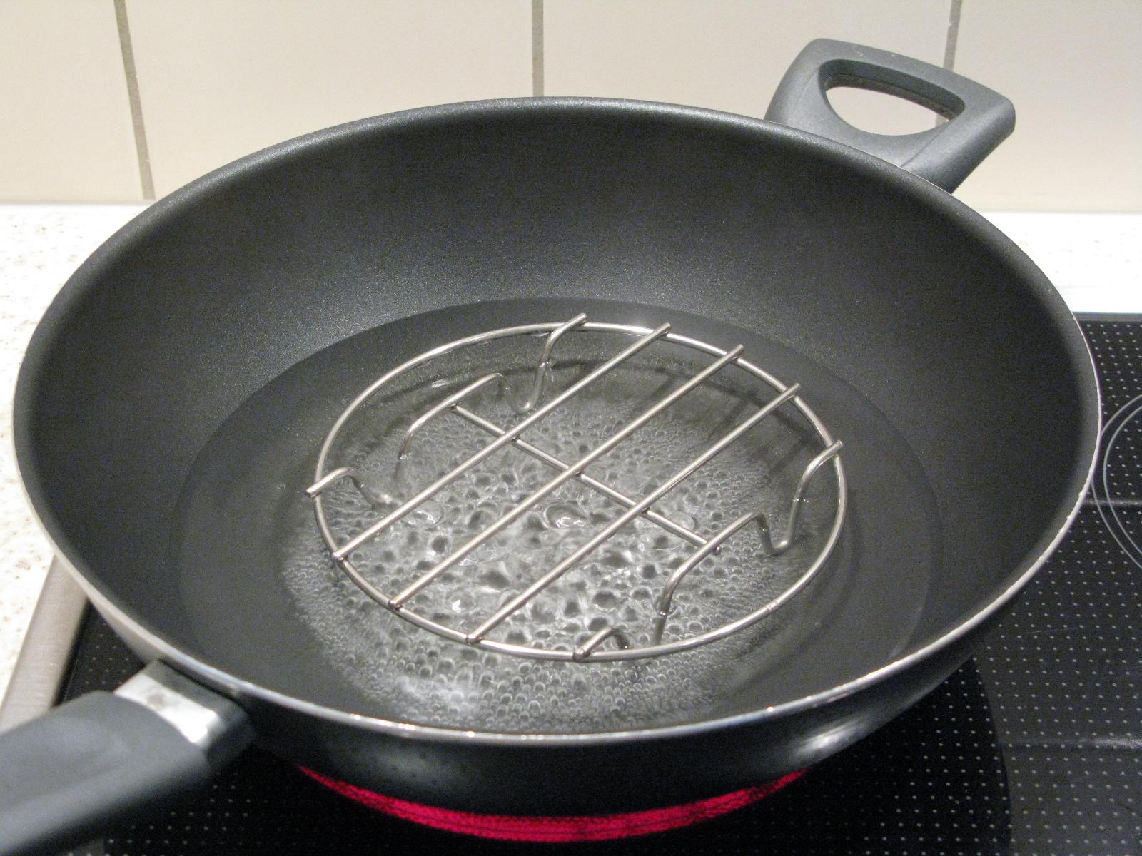 Steaming equipment for ginger
