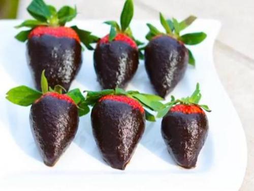 chocolate_covered_strawberries