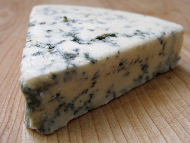 Shelf life blue cheese dressing