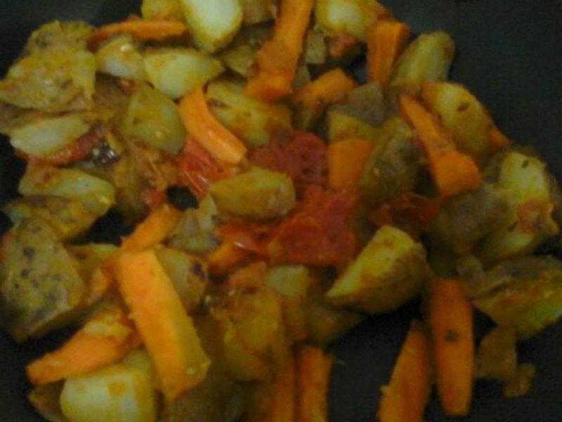 Carrot Potato Stir Fry Recipe by Seenia.George | iFood.tv