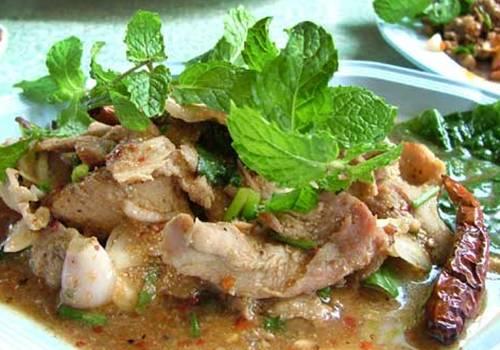 How to Eat Nam Tok