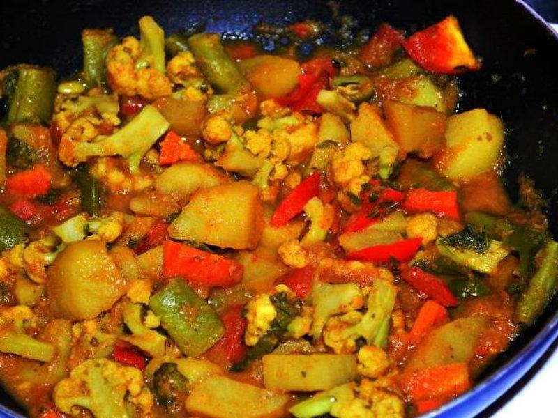 Easy Indian Mixed Vegetable Sabzi Recipe By Foodie Rishika Ifood Tv