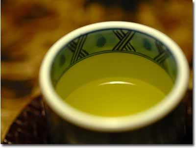 Drinking green tea for diabetes