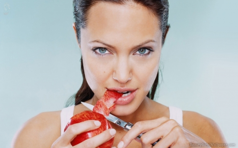 Angelina Jolie's Diet Secrets and Rules