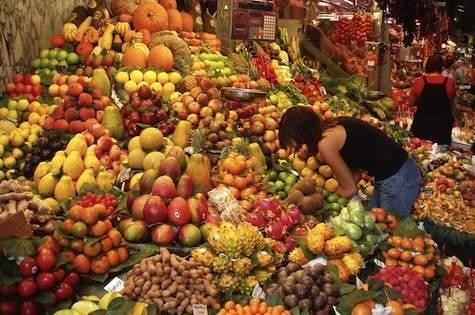 top 10 fruits you should buy organic to keep health hazards at bay