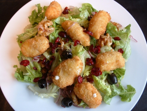 Goat Cheese Walnut Salad - Crunchy Goat Cheese Starters