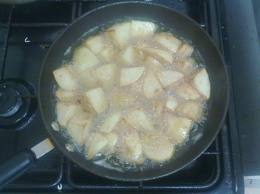 Frying potatoes