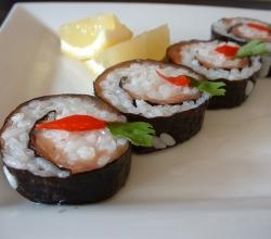 Smoked salmon sushi style