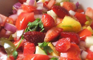 Strawberry Mango Mesculan Salad