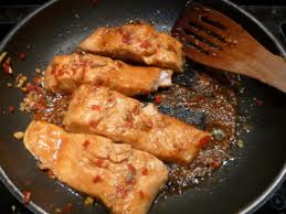 Cooking fried salmon