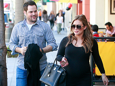 Hilary Duff Dines With Hubby