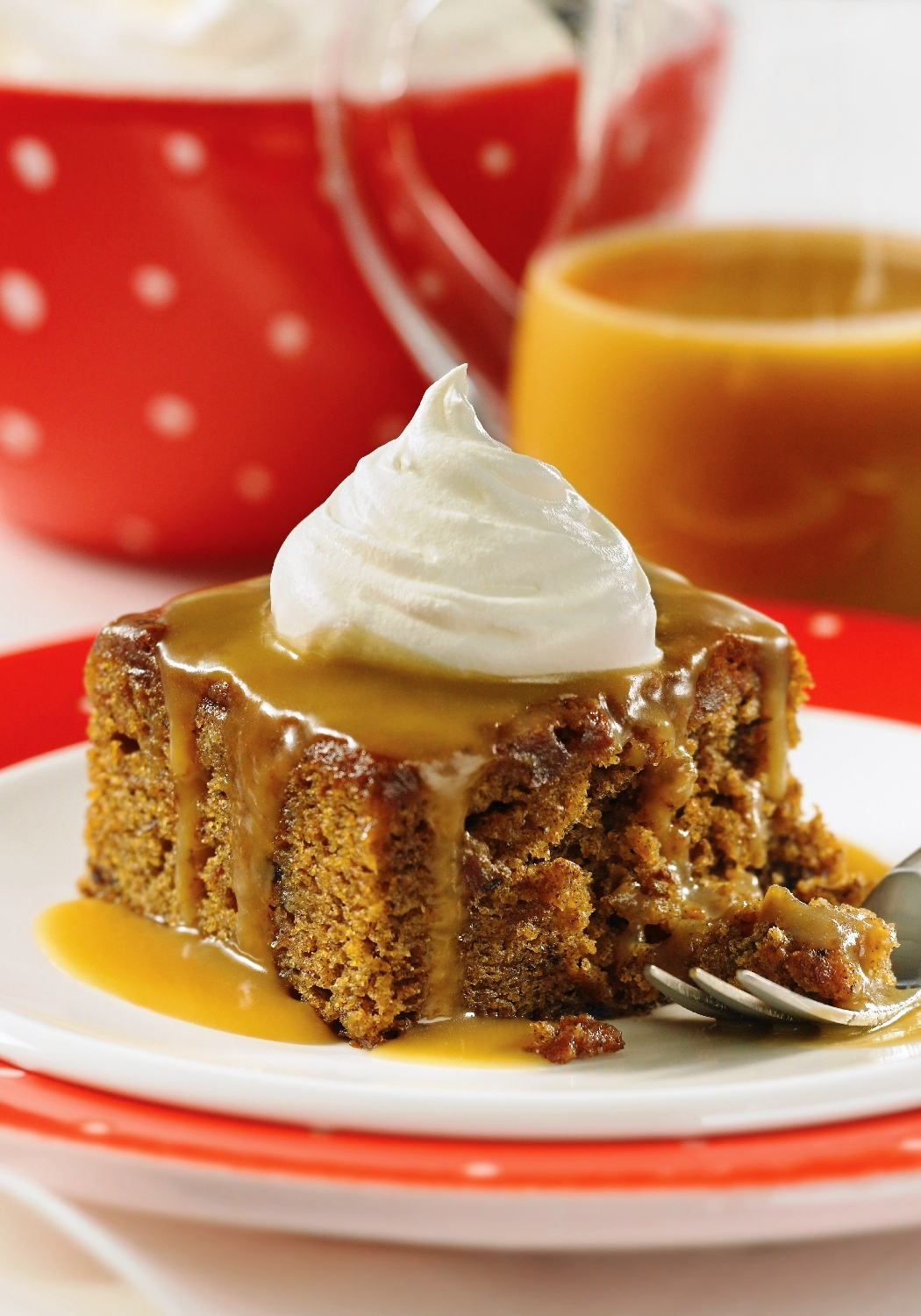 Sticky Toffee Pudding Cake Recipe by Piece.of.Cake | iFood.tv