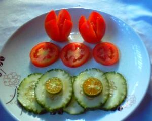 Tomato Tulip Garnish