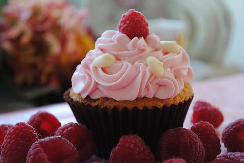 Kiwi Raspberry Cupcakes