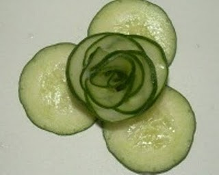 carving cucumber flowers