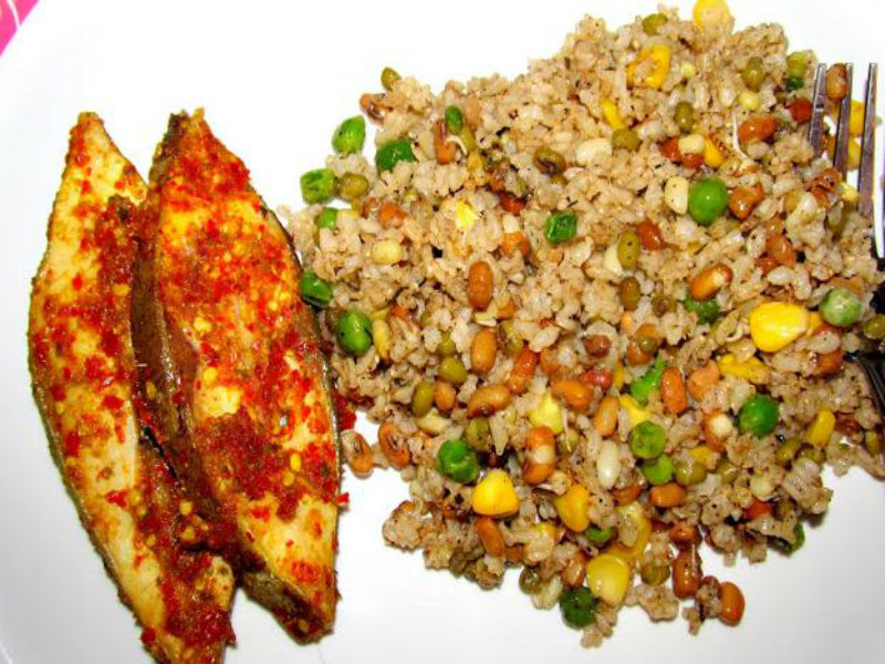 Brown fried rice and steamed fish recipe by foodie rishika for Rice side dishes for fish