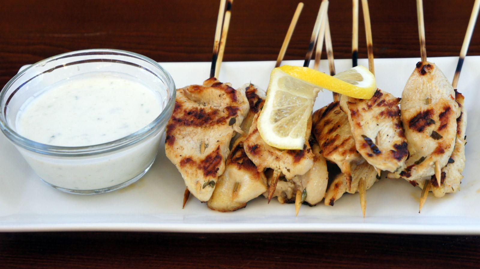 Greek Style Chicken With Tzatziki Sauce