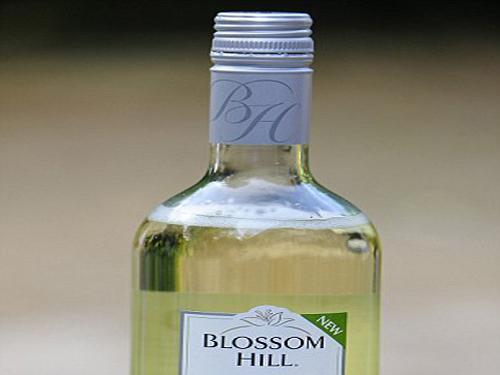 Blossom Hill Vie Whte