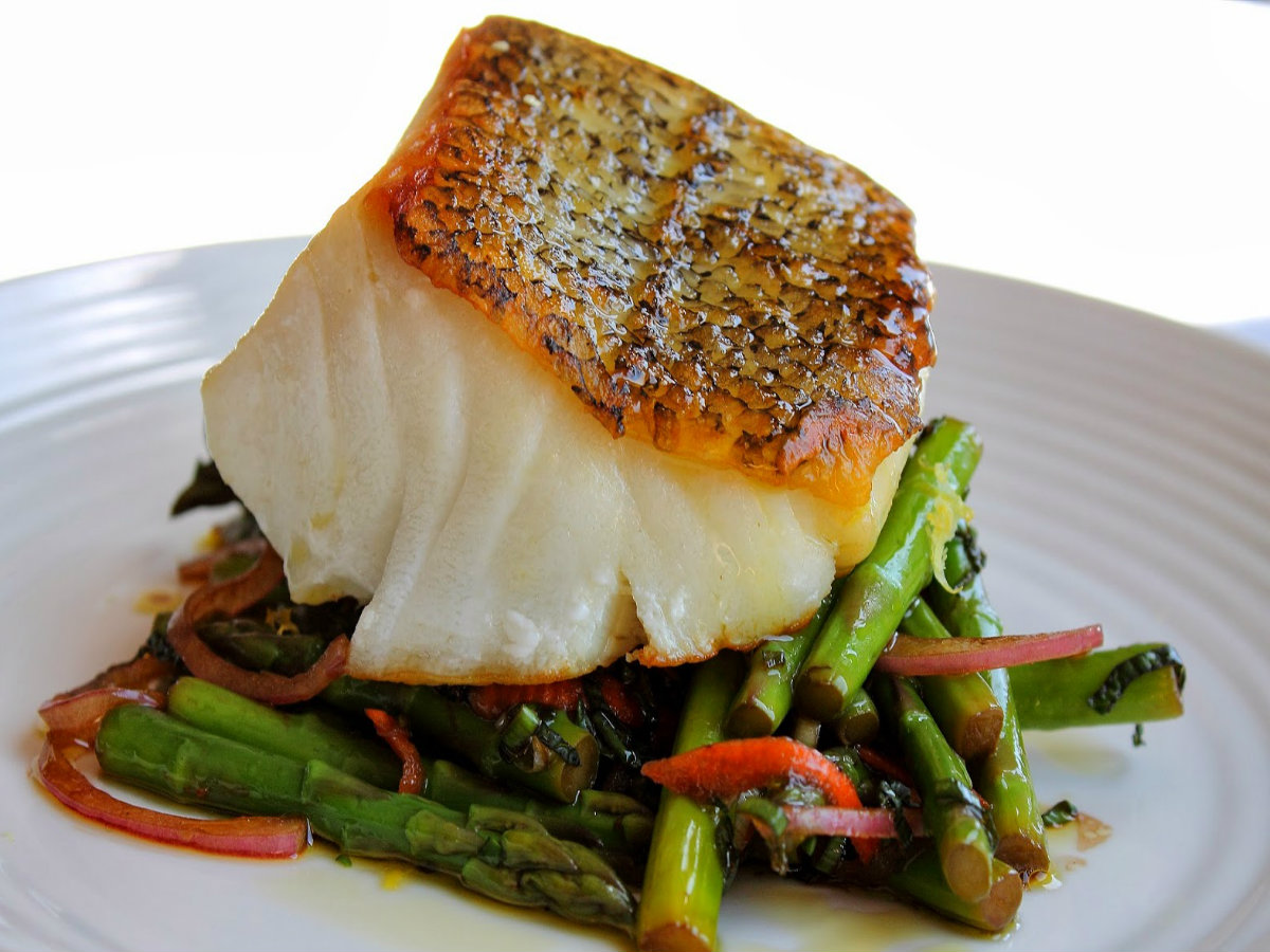 Healthy Pan-Roasted Sea Bass With Asparagus And Mint Salad Recipe ...