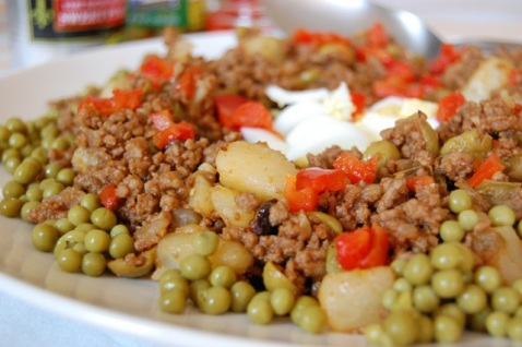 how to eat picadillo - ground meat to fill or side with your favorite dish!