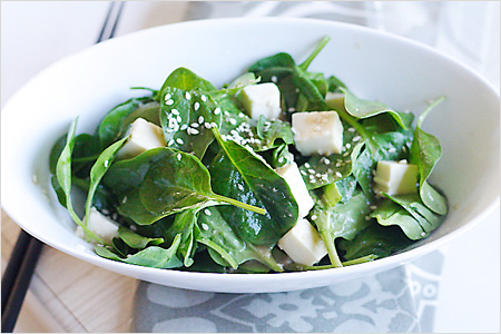 Sesame tofu salad makes real healthy eating habit
