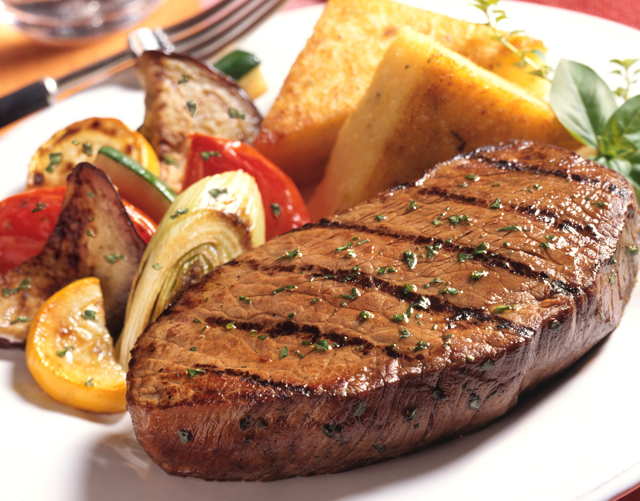 Grilled Pepper Steak Recipe by Burgtun | iFood.tv