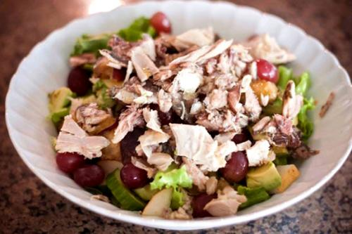 chicken and Avocado Pear Salad with Grapes