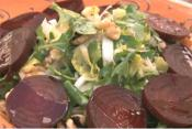 How To Make A Spinach, Beet And Walnut Salad