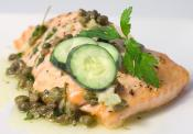Baked Salmon With Cream And Cucumber
