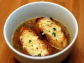 Basic French Onion Soup With Thyme