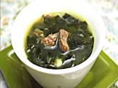 Korean Food: Beef And Sea Mustard Soup ( )