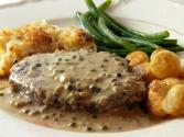 Beef Tenderloin With Green Pepper Sauce