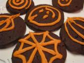 Betty&#039;s Orange Halloween Frosting For Chocolate Cookies