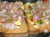 Bread Pizza With Onion And Green Chili