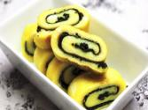 Korean Food: Rolled Egg And Laver (김계란 말이)
