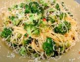 Angel Hair Pasta With Steamed Vegetables And Garlic Sauce
