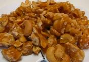 Crunchy Caramelized Cashews