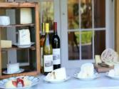 Cheese And Wine At Parties, Dinner: Tips On Temperature, Selecting, Cutting And Food Pairings