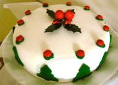 Decorating  The Christmas Cake