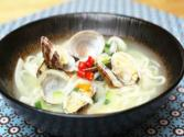 Korean Food: Clam Noodle Soup