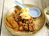 Peach Crumble With Fresh Cream