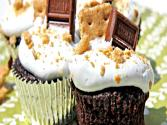 S&#039;more Cupcakes &amp; Marshmallow Frosting