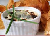 Hot Garlic And Bleu Cheese Dip